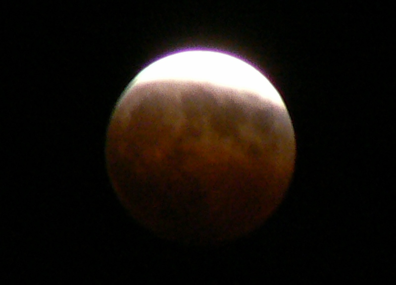 2_Total Lunar Eclipse /Photo: J Matsumoto