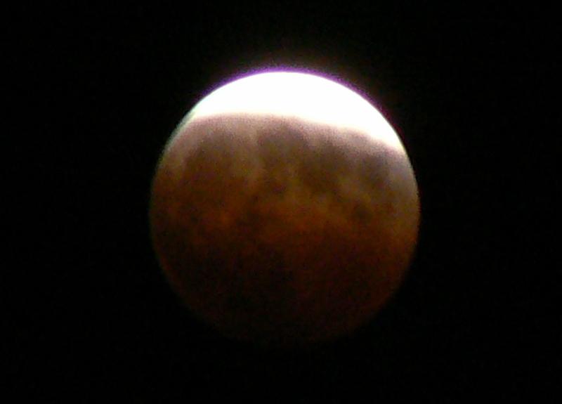 2_Total Lunar Eclipse /Photo: J Matsumoto