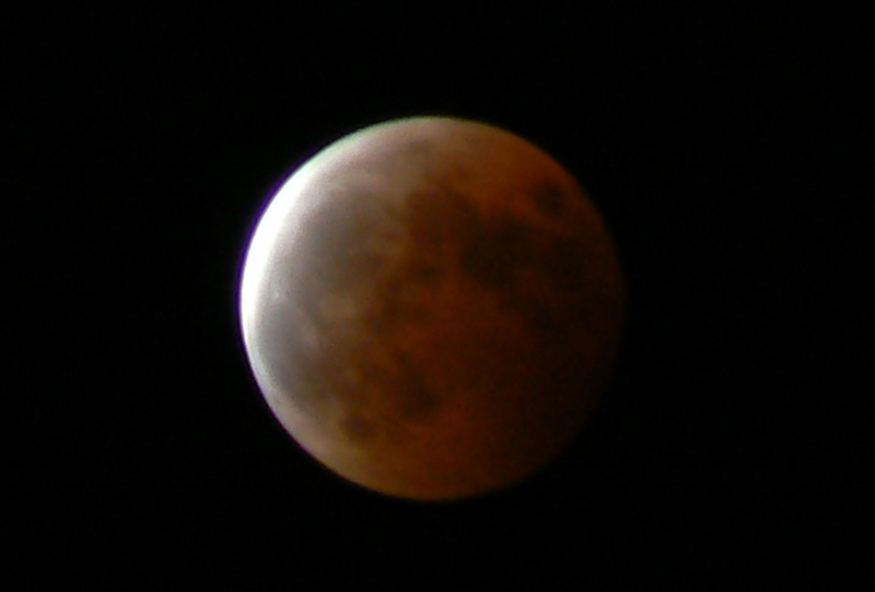 4_Total Lunar Eclipse /Photo: J Matsumoto