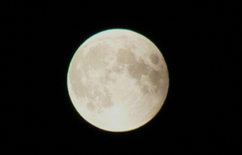 Full moon /Photo: J Matsumoto