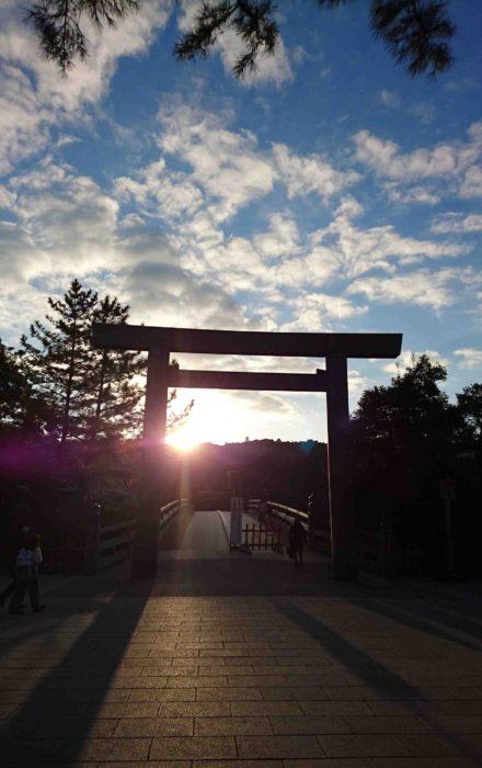 伊勢神宮と朝日