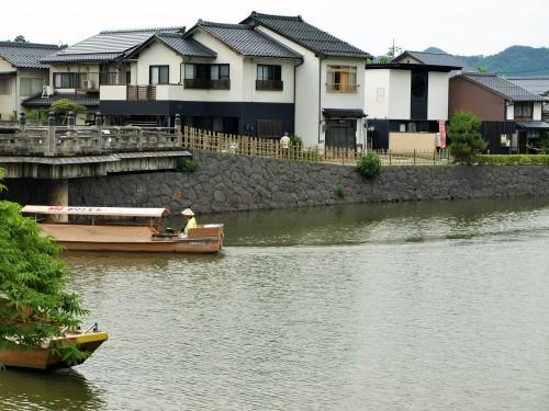 松江城お堀端