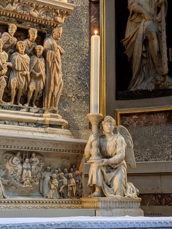 ミケランジェロ作の天使燭台